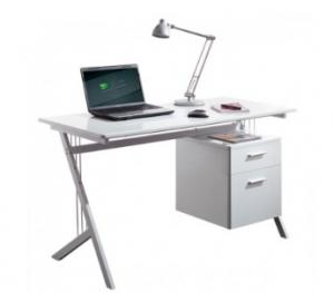 Moderna, bela pisalna miza v visokem sijaju